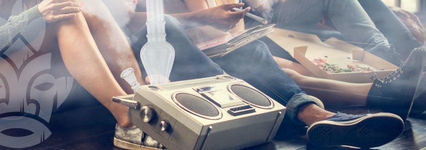 Hotbox Mit Essen Und Musik