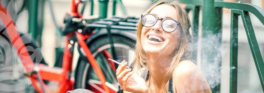 Wie Cannabis Unsere Stimmung Beeinflusst Und Uns Zum Lachen Bringt